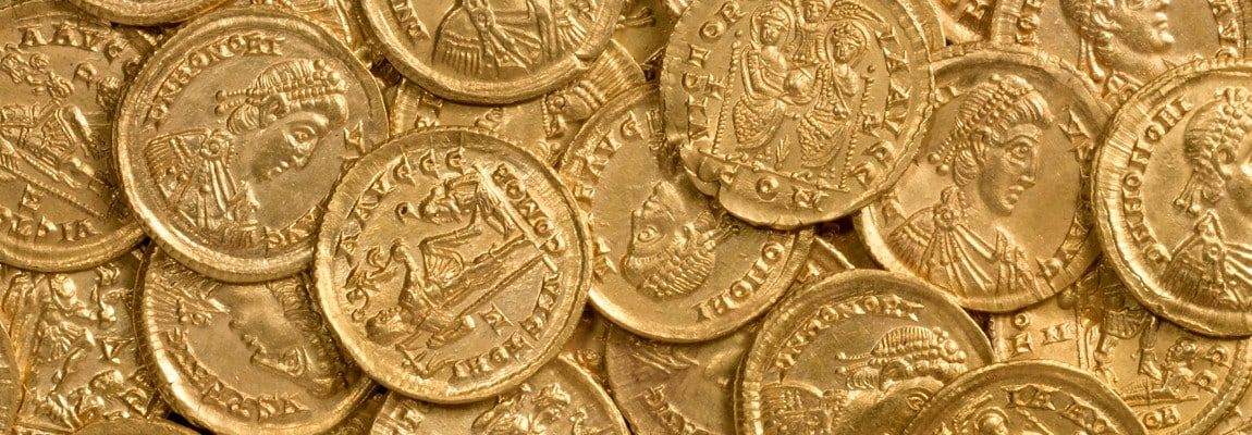o-WESLEY-CARRINGTON-FINDS-156000-ROMAN-GOLD-COINS-facebook